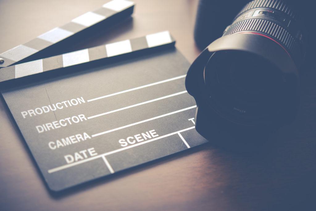 英語でドラマ・映画を観て英語力が上達する人としない人の違い~実体験に基づく考察~